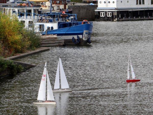 NAMUR - Le port de Beez, en cette fin de saison 2013. (B.B.C-C.N.N-C.N.N.Y)