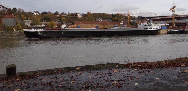 Mise à l'eau du TENNESSEE (F) au chantier naval Meuse & Sambre à Beez.
