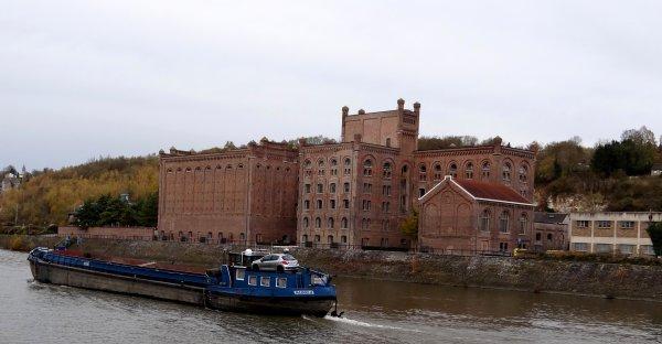 Le PAROLA à hauteur des anciens moulins de Beez à Namur.