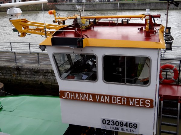 Transport de céréales entre Givet et Lieshout pour WENDY-CHANTAL et BATTELLO  & Convoi exceptionnel pour EDF par VAN DER WEES (Pousseur JOHANNA & barge LASTDRAGER).