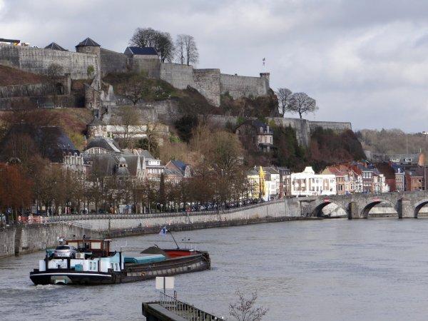KEDYS, 1er de deux voyages entre Lustin et Pont-de-Loup... Haute-Meuse, tirant réduit à 2,20m. du 3 au 14 mars 2014 !   Restructuration des districts des Directions des Voies hydrauliques au 1er mars 2014.