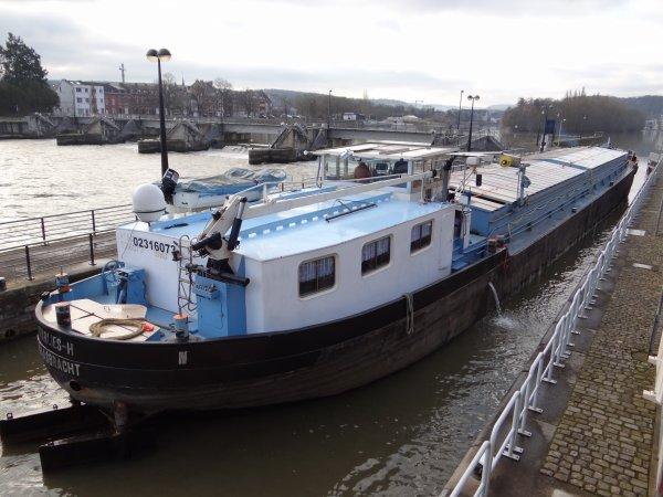 MARLIES H & MARIANNA se croiseront dans le bief plantois ce matin du 4 mars 2014.