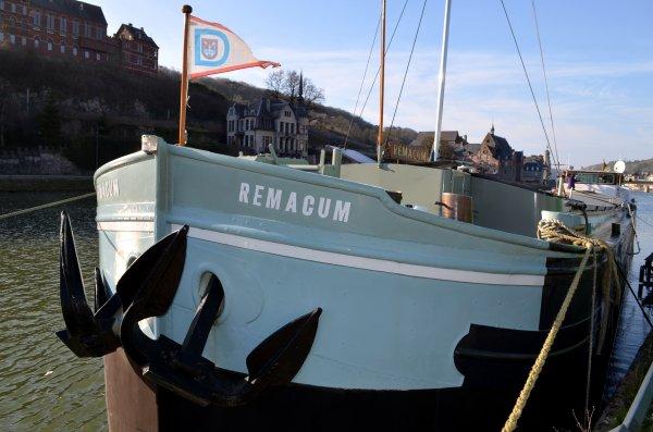 DINANT, le REMACUM de Christian Cobbaut est à vendre - 75000 euros  Tél.: 0475/247109