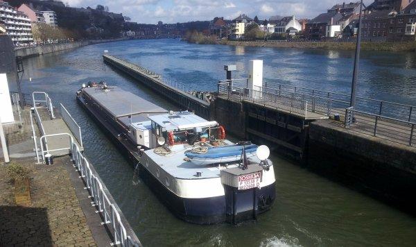 JOSHUA (F) péniche de commerce & cabine d'hôtes, parmi les bateaux de ce lundi 24 mars 2014.