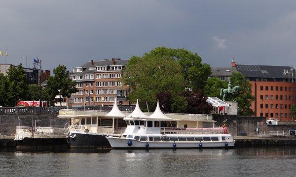 """Nouvelle offre de croisières à Namur """" NAMUR-CROISIERES""""  avec les bateaux """"VAUBAN"""" (115 pass.) & """"ASTAGA"""" (12 pass.)"""