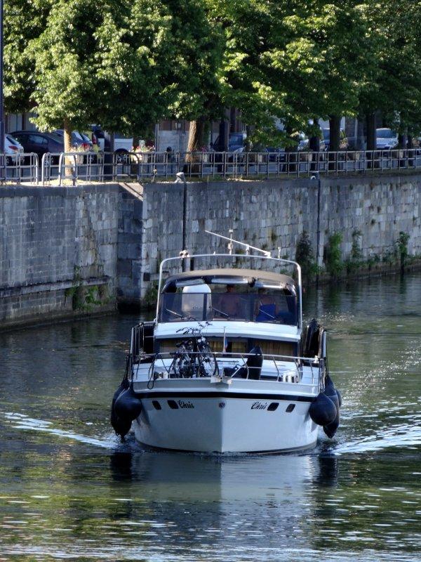 Une vedette fluviale construite par des demandeurs d'emploi... Le COF D'EAU (B) Amay,  fait escale à Namur   ;)