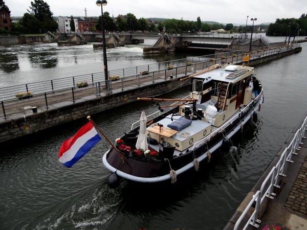 2300 tonnes de cellulose entre Vlissingen et Givet,  après le MANHATAN en 1ère à Tailfer (Wépion), AUDAX fait la 1ère de La Plante ce samedi 5 juillet ...