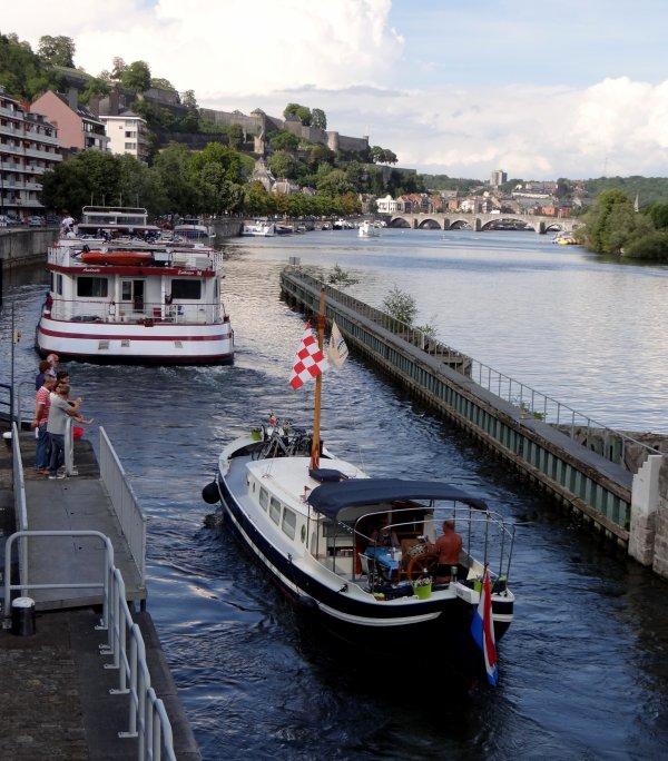 Le bel HENDRIKA - Le KOLIBRI est à vous pour 150000 euros ... Le  2è.retour de l'ANDANTE... parmi les 55 bateaux de ce beau dimanche estival avant l'arrivée des orages en soirée...   ;)