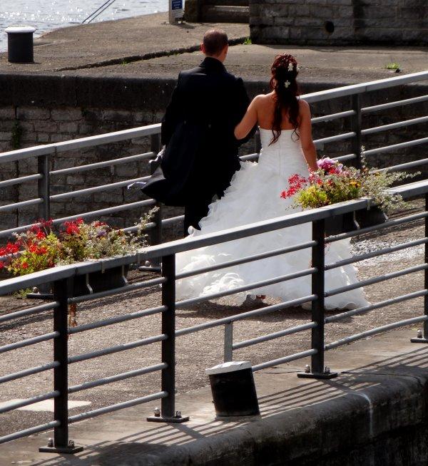 Vive les mariés...  :)