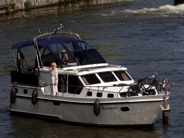 SALVE depuis Givet, MY DREAM depuis Yvoir (Fidevoye), OCTOPUS depuis Acy-Romance et TATIANA depuis Anhée, parmi les bateaux marchands du ce 5 septembre 2014.