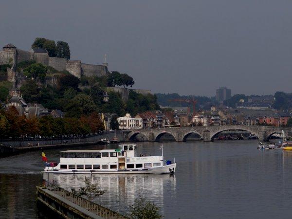 Trafic dominical de septembre... Horaire dominical sur la haute-Meuse; de 9 à 19h30  jusqu'au 15/9, à 18h à partir du 16/9, à 14h à partir du 1/11, ... uniquement pour la plaisance!