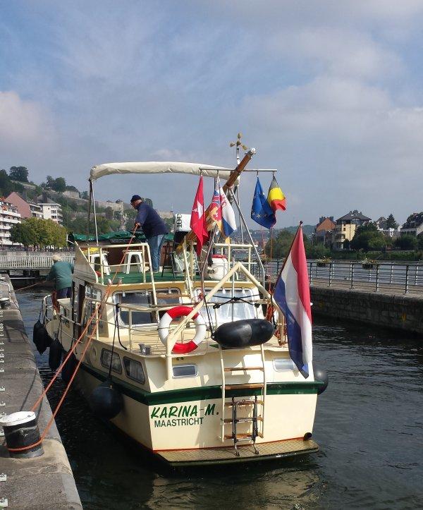 Ton et Tiny du KARINA M (NL) quittent Waulsort après 44 années (50 ans pour Ton avec ses parents) de séjours dans ce beau port estival!