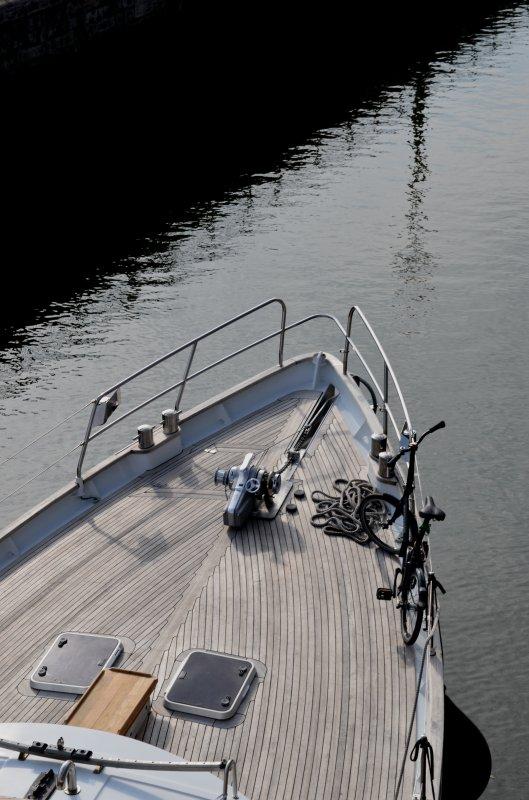 Du temps pour les tâches de fin de mois, avec un troisième bateau à la sortie de pause matinale!