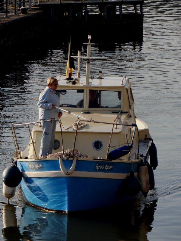 """LOANA CALISTA en première ce samedi 4 octobre, descend rejoindre le bouchon d'Ivoz-Ramet  :(    Une devise bien namuroise, le """"Gros Gnon"""" des Beckers rejoint son port hivernal - KINEVY est de retour après 2 mois de chantier à Pont-de-Loup   ;)"""