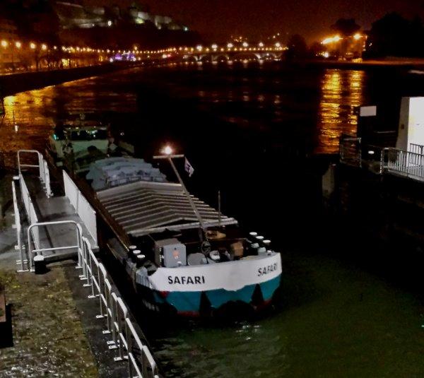 SAFARI transporte un transformateur entre Anvers et Lyon - Les derniers de mars 2015 et les statistiques à l'entrée de la Haute-Meuse depuis 2001...