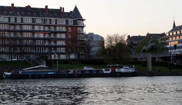 Les amis du KAIROS ont fait une halte à Namur ce jeudi 22 avril, avec leurs hôtes de la croisière n°6 (Valenciennes > Huy) ...  ;)