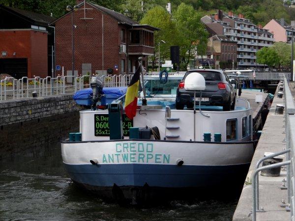 Le retour du CREDO sur la Haute-Meuse.  ATTENTION nouvelle baisse d'eau annoncée dans la traversée de Namur du 18 au 22 mai...Consultez l'avis à la batellerie du 5 mai!