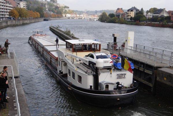 """En première ce samedi 10 octobre, le DEMIS, avec un patron batelier bien sympa à la barre...   et en fin de matinale, Cindy et Jonathan (ex.ALYCIA) sur leur nouveau bateau """"ALYRON"""" ;)"""