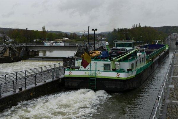 """Avril, il ne fallait pas se découvrir d'un fil! - Amis d'à bord et d'à terre, usagers, navigants, riverains et amoureux des Meuse et Sambre namuroises, rejoignez le groupe Facebook """"Meuse namuroise"""""""