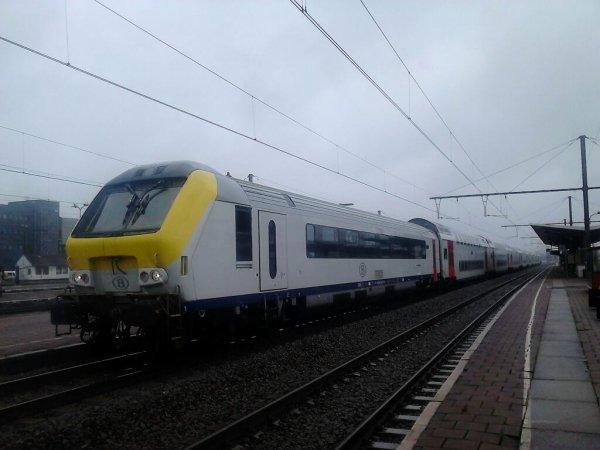 I11+M6+HLE 1854 Denderleeuw