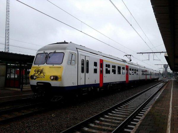 AM 324 Denderleeuw
