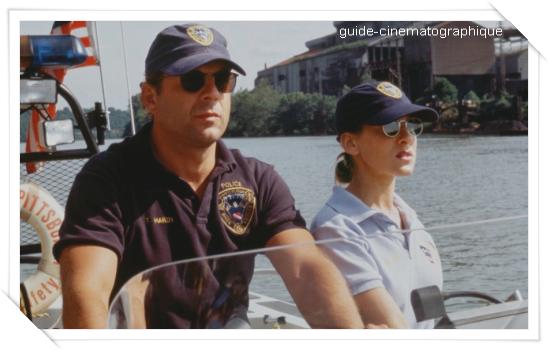 Piège en eaux troubles (1993)