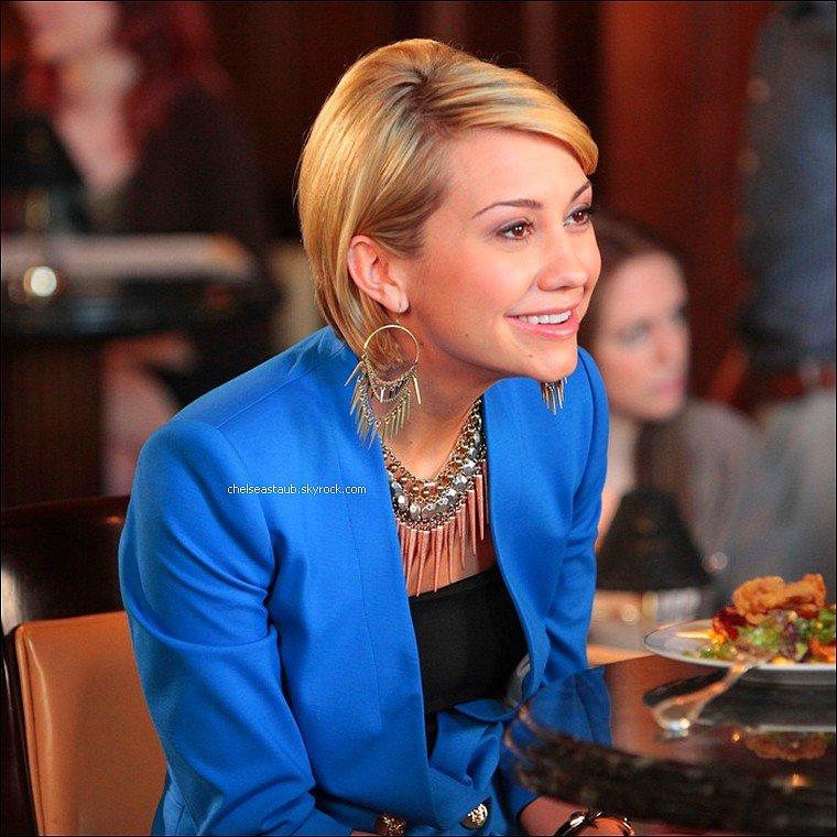 Chelsea Kane apparaît dans le dernier épisode de la saison 4 de la série américaine à succès Drop Dead Diva. Chelsea interprète Paige McBride, une chanteuse de country accusée du meurtre de son ancien petit-ami. Le hic, c'est qu'elle a précisé qu'elle aimerait le tuer dans une de ses chansons ...