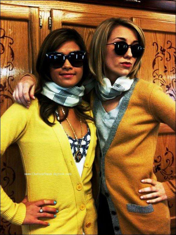 « Nicole et moi avons-nous passé trop de temps ensembles ? » C'est le message qu'a posté Chelsea avec cette photo sur twitter.