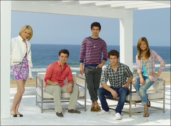 Première photo promo de la saison 2 de JONAS. Qu'en penses-tu ? Hâte de voir la série ?