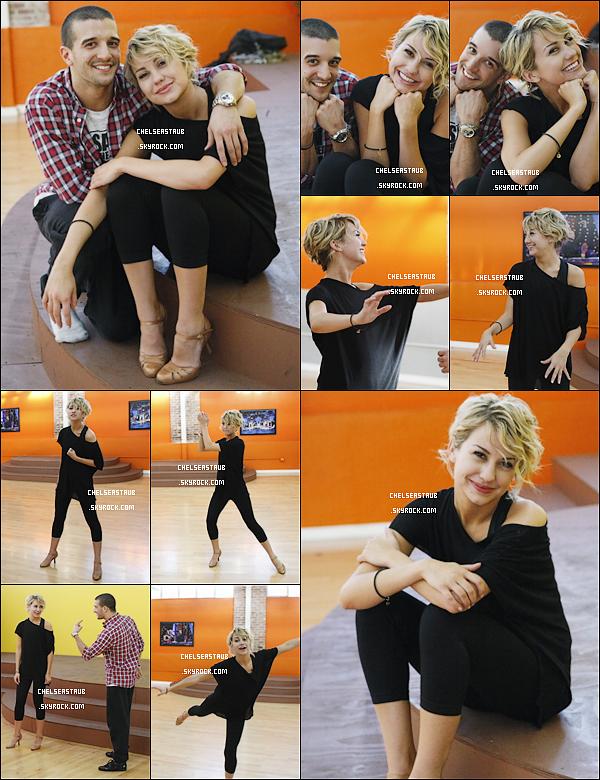 [font =lucida sans unicode][size = 12px] Découvrez des photos exclusives des répétitions de Chelsea & Mark pour Dancing With The Stars, prises le 04/03.