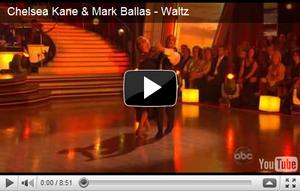 . Voici les photos et vidéos des performances de Chelsea et Mark dans Dancing with the stars !  Ils ont très bien réussi avec leur valse avec un 29/30 et pour leur salsa ils ont eu 26/30 !