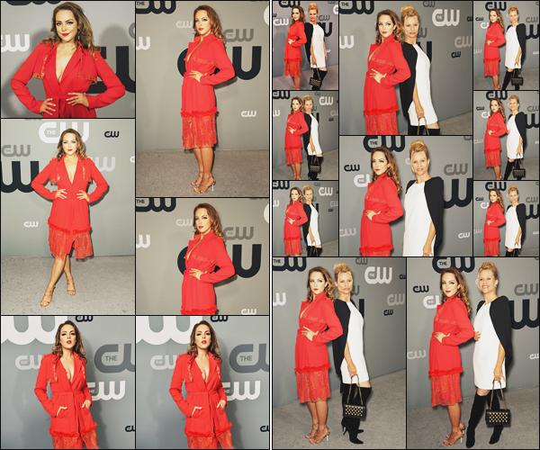 . • 17/05/18  —  Elizabeth était présente à l'évenement «  CW Network Upfront Presentation » dans New York City..
