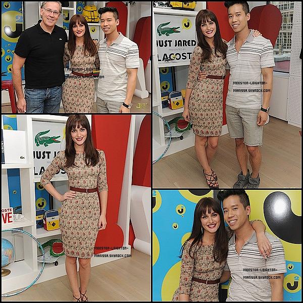 . 12 Juillet 2011: Notre belle Leighton était au showroom Lacoste Manhattan, découvre les photos et la vidéo ! Qu'en penses-tu ? .