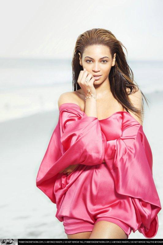 2010 : record aux Grammy et pause dans sa carrière musicale