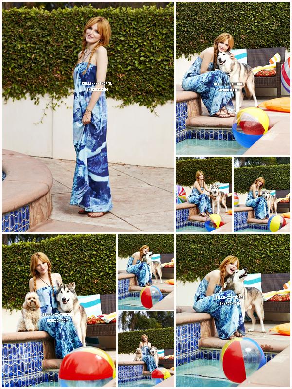 """22/03/14 : Bella a été trois fois aperçue durant la journée en dehors du tournage de son nouveau role pour un nouveau film Disney """"Mostly Ghostly II""""."""