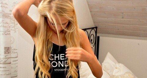 Cheveux gras.