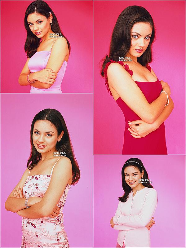 * Mila  pose pour le «Twist Magazine» en 2000, photographée par A. Olszewski.  *