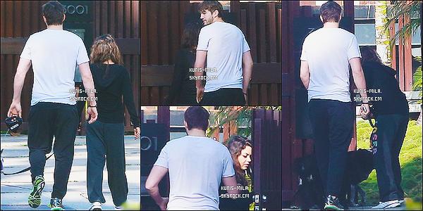 """"""" 20/04/14 : Le couple a été vu retournant à leur domicile dans - Los Angeles après avoir promené leurs chiens. Il y a très peu de photos disponibles. De plus, on voit le couple uniquement de dos. + Côté tenue pour Mila, ça semble être une tenue de sport.  """""""