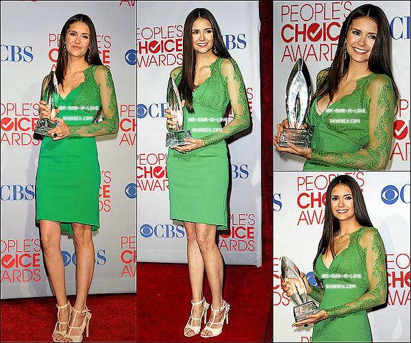 - 10/01/12 : Nina & ian ont était au Choice Awards 2012 Populaire au Nokia Theatre de Los Angeles. Nina à reçu un aword catégorie *TV Drama Actress* Le mérite-elle Oui ou Non ?-
