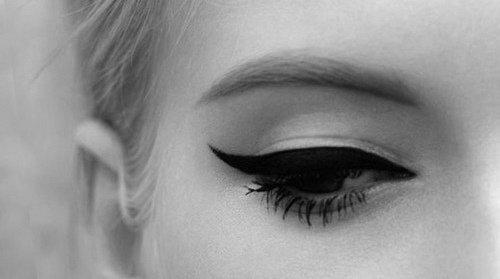 Comment bien faire son trait eye-liner ? ❤