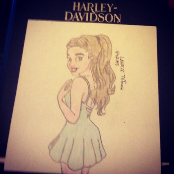 Ariana Grande Drawing !