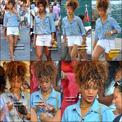 28/08/11 : Rihanna a été aperçue à Capri, près de Naples en Italie faisant du shopping entre amies. Top?