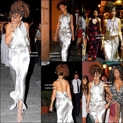 24/08/11 : Après la France, Rihanna se rend en Italie pour prolonger ses vacances. Rihanna a tout d'abbord été aperçue en compagnie de ses amies dans un restaurant à Portofino.La belle conitnue de profiter de l'italie en se baladant dans les rues de Portofino et s'arrête dans le magasin « Louis Vuitton ». Plus tard, Rihanna se met à faire du sport. En effet, elle a été vue faisant de la plongée. Elle rejoint ensuite son bateau, et ressort dans la soirée avec des amies afin de profiter un peu plus de ce Pays.