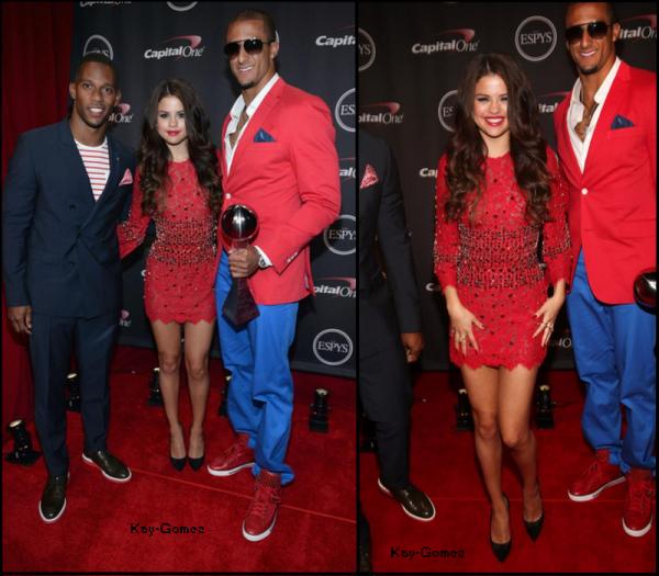"""Des photos de l'album Stars Dance ont été dévoilés + Sel' était à l'événement """" ESPY's """" à L.A"""