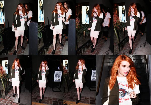 . 02/02/17 -Emma Roberts de retour au roux a été aperçue quittant le salon de coiffure«Nine Zero One» WH Notre belle actrice, après être restée plus de sept heures dans la salon a été aperçue en sortant avec sa jolie chevelure rousse, beau top .