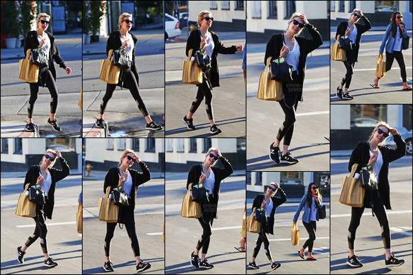 . 31/01/17 -Emma Roberts en compagnie de sa co-star Lea Michele, prenant du bon temps dans Beverly Hills ! Emma Roberts et sa co-star de Scream Queens ont été aperçues sortant d'un restaurant et faisant du shopping dans Beverly Hills, pas fan de la tenue .