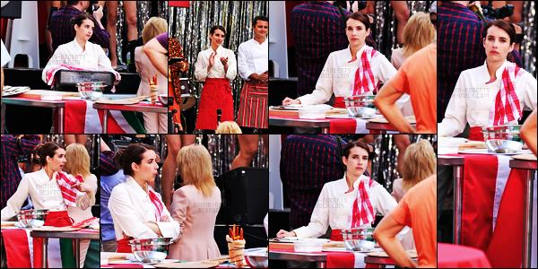 . 15.06.17 -Emma Robertsa été photographiée sur le set de son prochain film«Little Italy» dans Toronto, auCanada ! C'est encore une fois, tournant une nouvelle scène pour son prochain film que la belle actrice a été vue. J'ai hâte de voir ce film pas vous? .