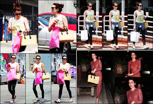 . 15.07.17 -Emma Roberts, a été photographiée alors qu'elle faisait du shopping dans la ville deWest Hollywood ! (CA) C'est dans son survêtementAdidas que Emma a été repérée, je n'aime pas cette tenue. Le 13, elle était de sortie dans Los Angeles, flop ! .