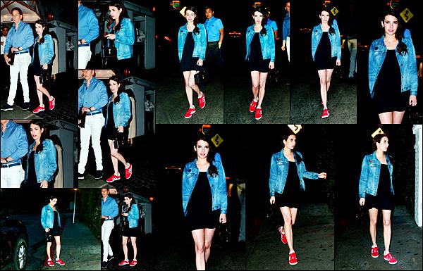 . 01.08.17 -Notre sublime Emma Roberts, a été aperçue quittant son hôtel au célèbre Château MarmontinLos Angeles. C'est donc de nuit que la belle actrice a été repérée par les paparazzis, niveau tenue, je trouve que ça lui va bien, c'est donc un petit top .