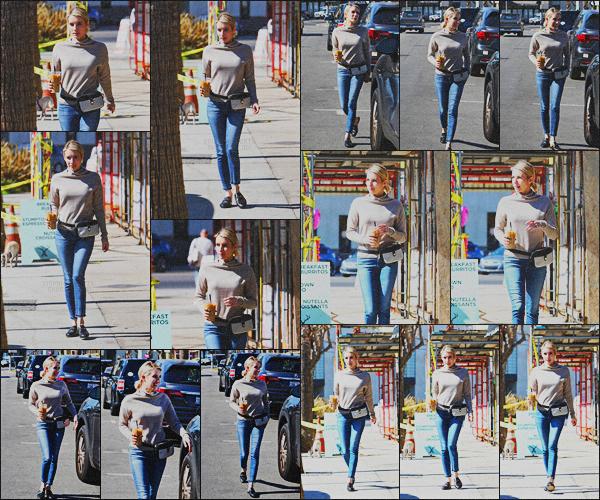 . 20.02.18 - Emma Robertsa été aperçue sortant de chez «Alfred Coffee »'▬'situé dans les rues deLos Angeles, CA ! La belle blonde est de retour à Los Angeles, après un petit séjour dans Londres et c'est achetant une boisson glacée qu'elle a été vue, bof .